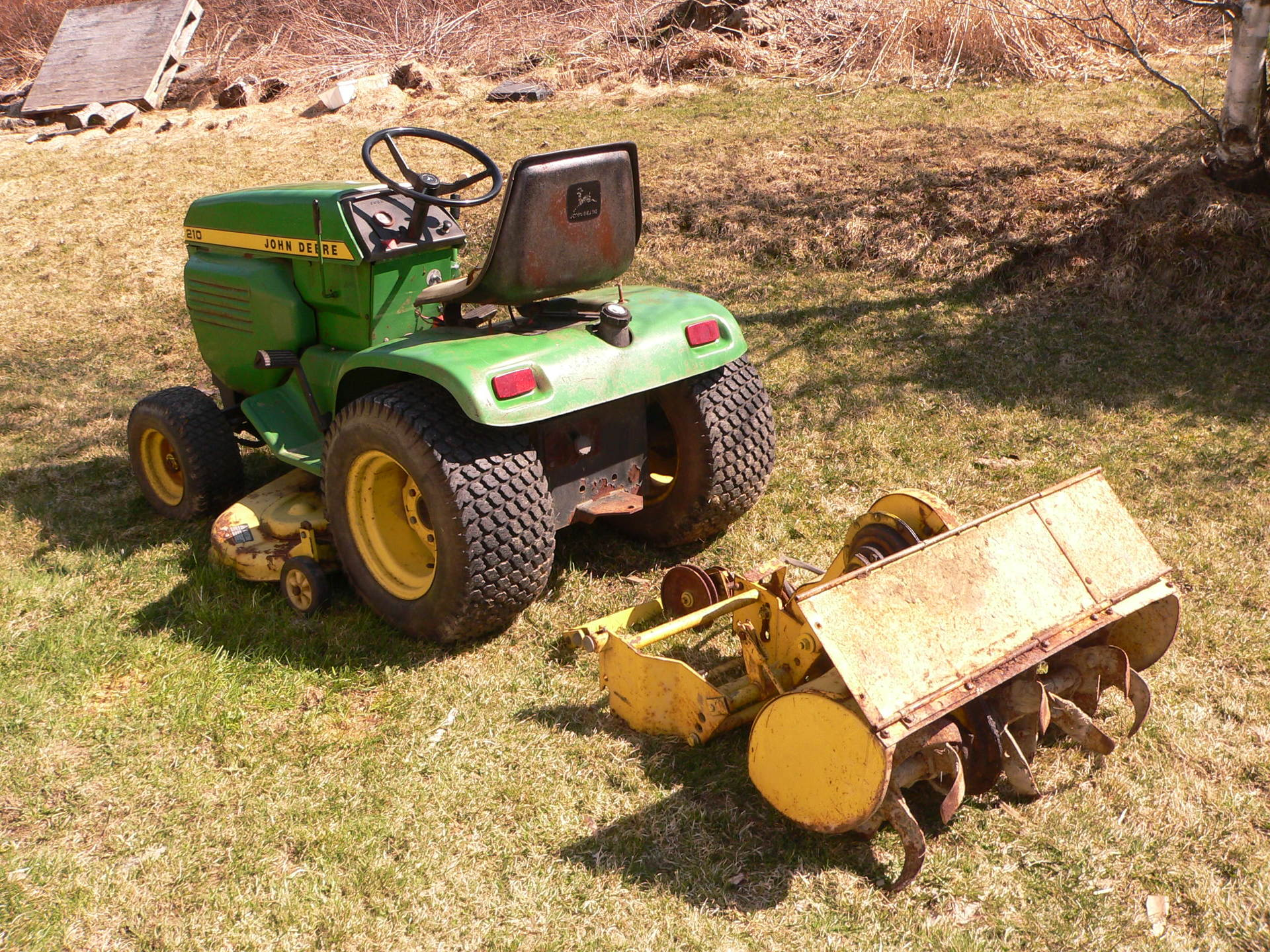 Looking at a JD 210 - MyTractorForum.com - The Friendliest Tractor ...